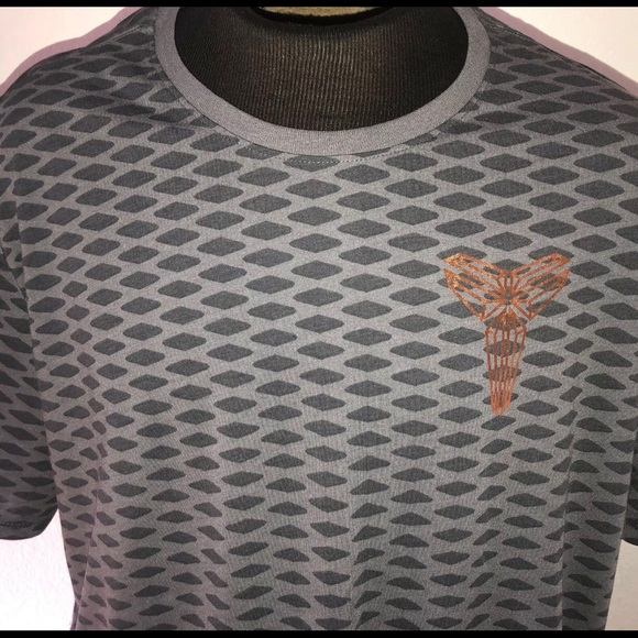 ba2963b5 XXL Nike Kobe Bryant Ascend Elite X shirt. Nike.  M_5cb8e809138e18a70455fe5e. M_5cb8e80badb58d69b7e53e20.  M_5cb8e80cadb58d0d16e53e22